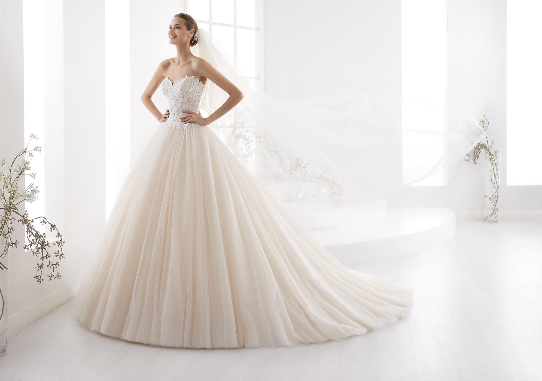 7966842523a0 Abito da Sposa AUAB18919 Aurora Nicole - Stefania Spose Parma