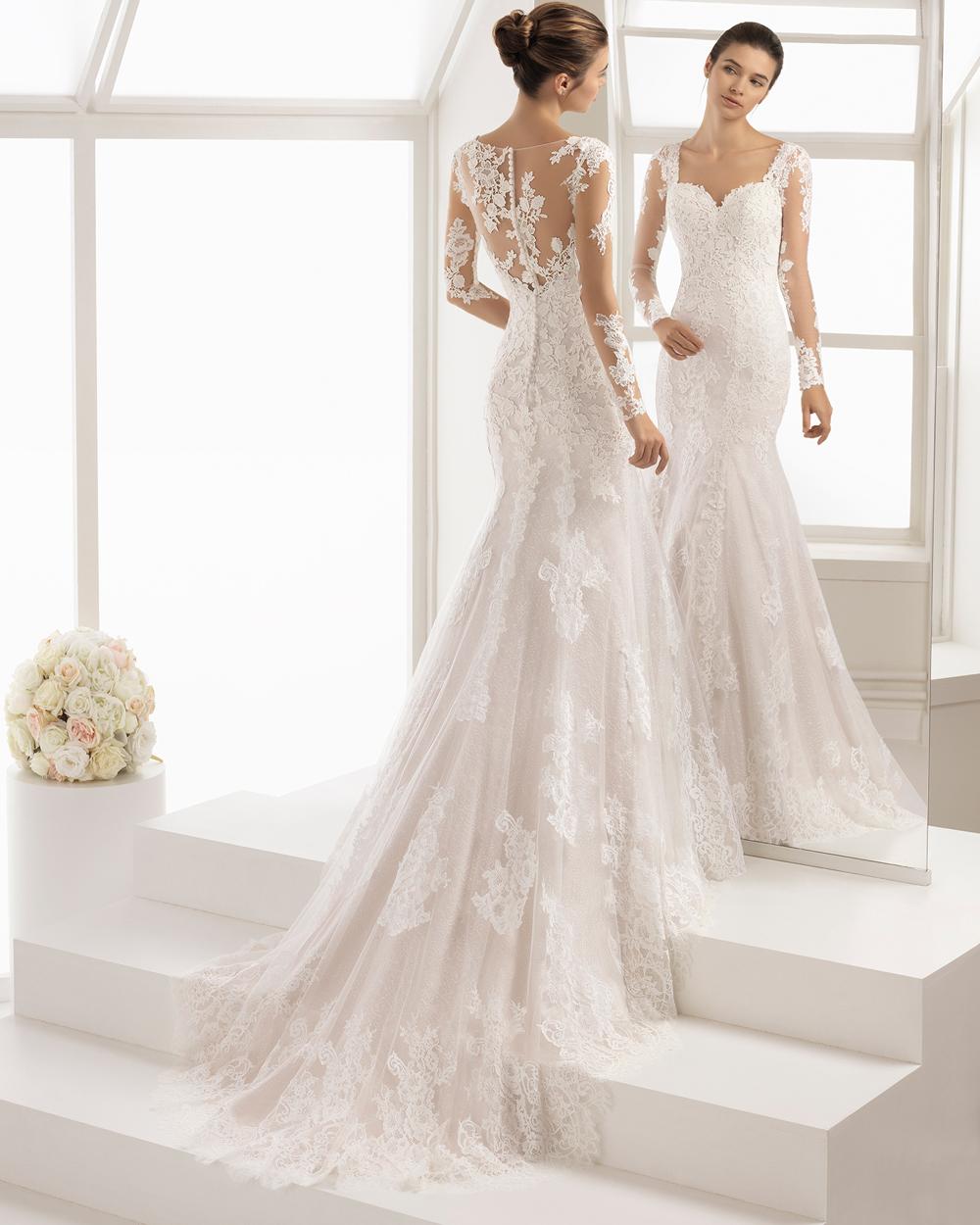 4a81d30acfe6 Perché interpreta gli stilemi classici dell abito da sposa in modo  assolutamente irresistibile.