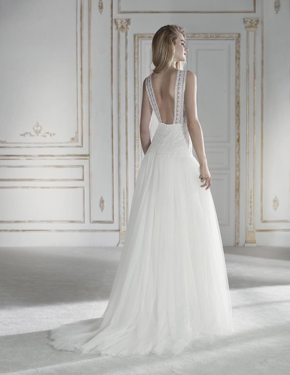 Vestiti Da Sposa Schiena Scoperta.7 Incantevoli Abiti Da Sposa Con La Schiena Scoperta