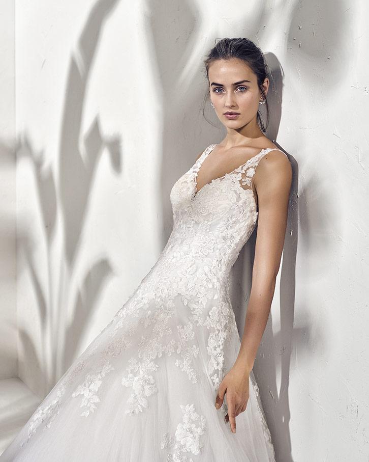 bb5f89dda7da Abito da Sposa Finn Adriana Alier - Stefania Spose Parma