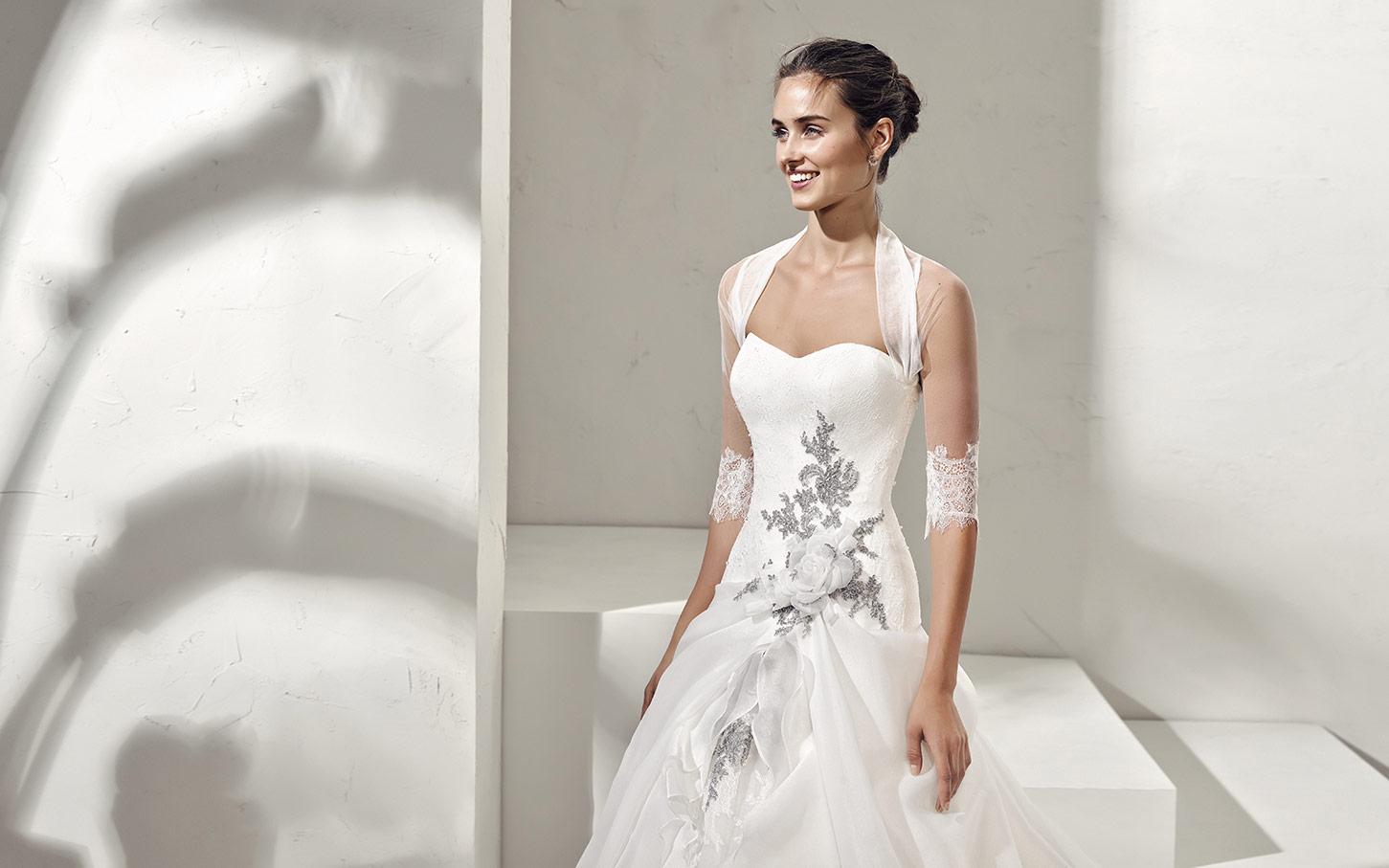 020a0c6eb788 Abito da Sposa Formula Adriana Alier - Stefania Spose Parma