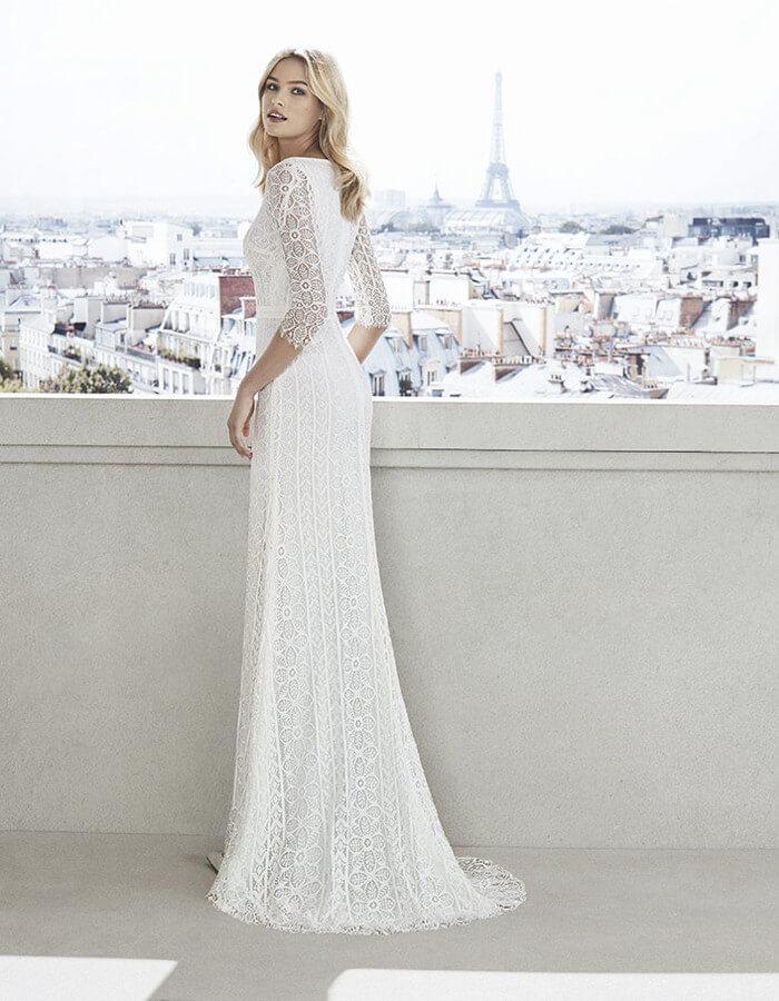 ... elegante conferisce agli abiti da sposa semplici un anima raffinata e  chic. Disegni delicati e trame intrecciate con effetto tattoo possono  arricchire ... 0cec052516f