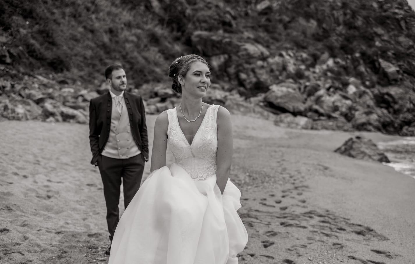 Sposi matrimonio mare